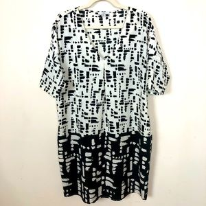 H HALSTON Black and White Abstract Shift Dress M